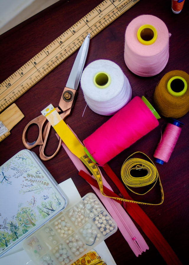 How can I learn to sew at home for beginners?