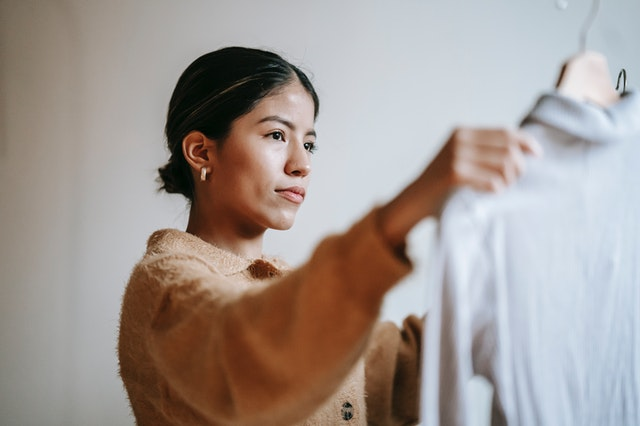 how to get rid of pilling on clothes